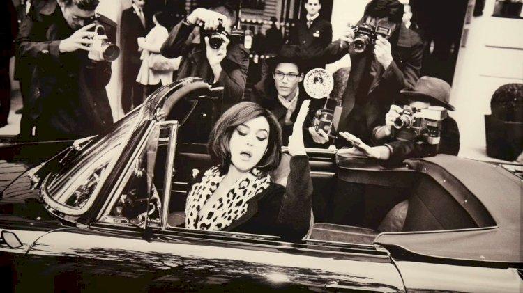 La Dolce Vita in un click, viaggio nel tempo con la mostra fotografica 'Paparazzi'